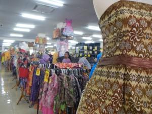 Baju-baju Batik yang siap pakai