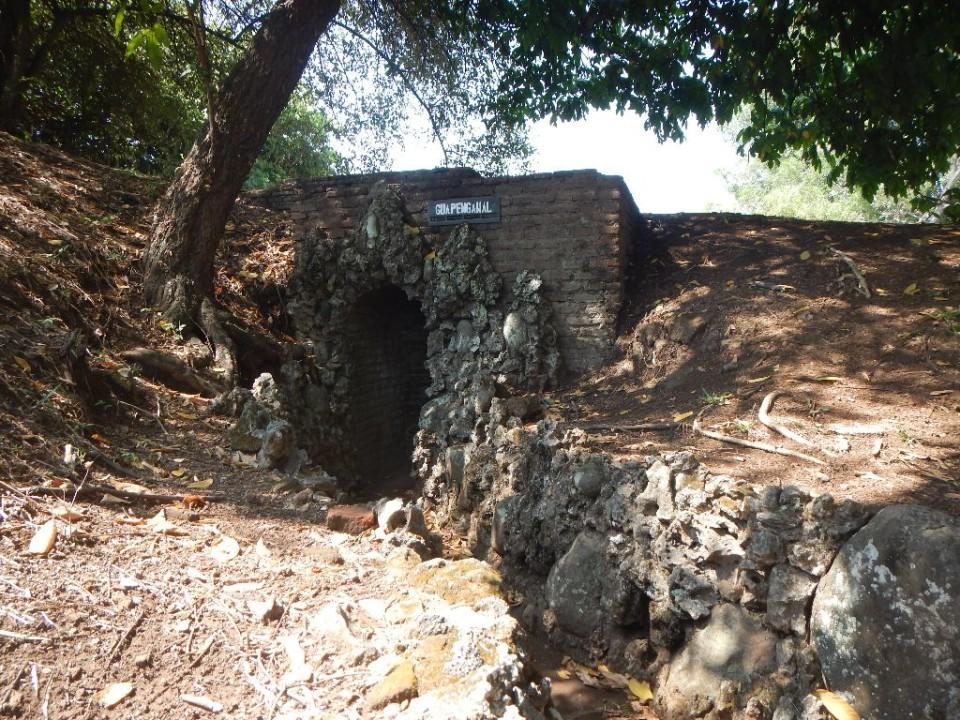 pintu masuk Gua