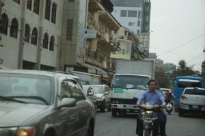 jam sibuk jalanan Phnom Pehn